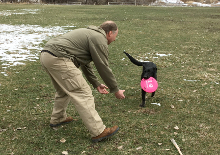 Tabaliah w Deron Returning Frisbee 2017-02-28